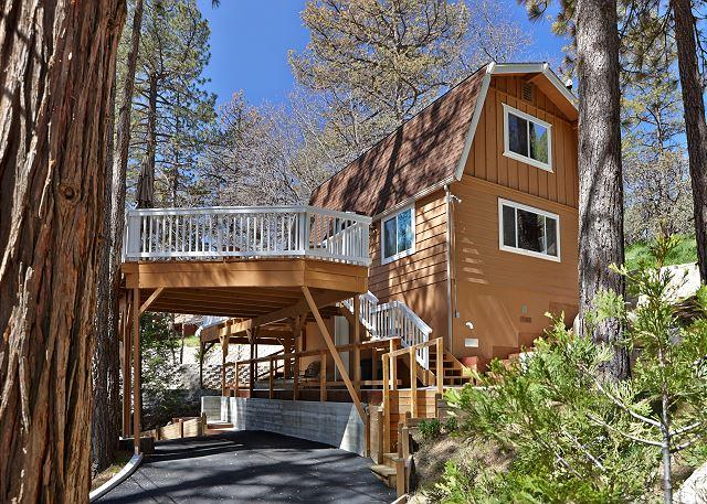 "Front of Home with Parking - Lovely ""Shea-D Pines"" Cabin with Wrap-Around Deck - Idyllwild - rentals"