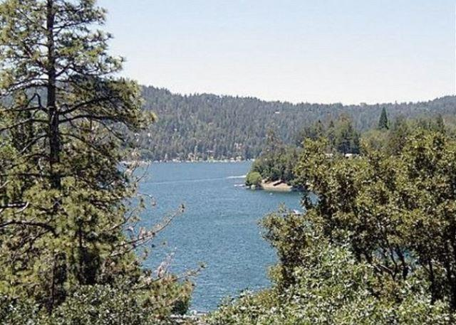 Spacious Lakeside Manor For Family/Friends Getaway - Image 1 - Lake Arrowhead - rentals