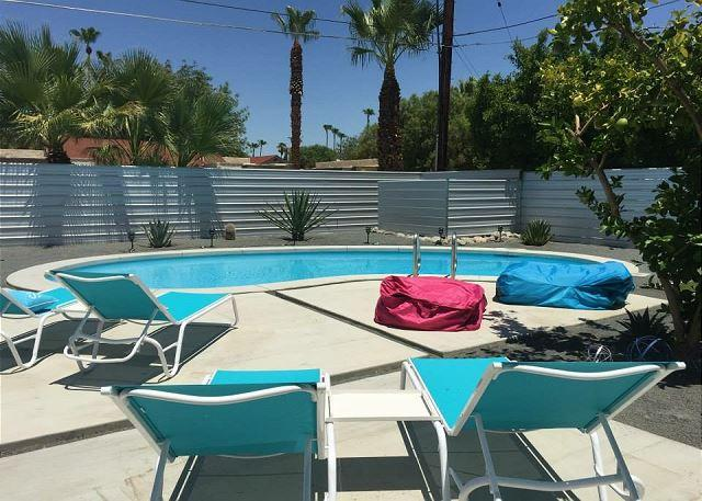 Canon Pool - Canon Modern Luxury Retreat for 10. Remodeled and Furnished in 2015 - Palm Springs - rentals