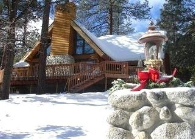 Rejuvenating Luxurious Mountain Log Home Tucked away in Idyllwild, Ca - Image 1 - Idyllwild - rentals