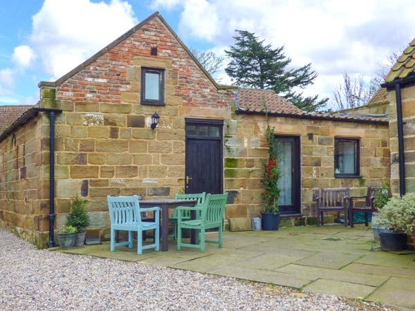 BROOMFIELD, pet-friendly, character holiday cottage, with a garden in Great Ayton, Ref 917833 - Image 1 - Great Ayton - rentals