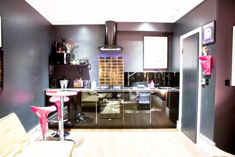Brighton's sexiest little house by the sea! - Image 1 - Brighton - rentals