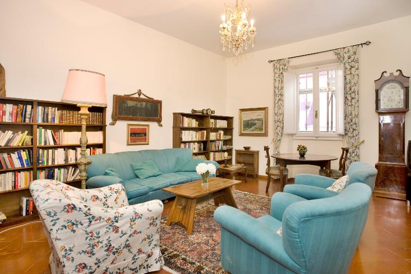 Two steps from Ponte Vecchio - Image 1 - Florence - rentals