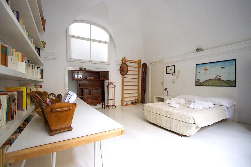 The room A in Santa Maria Nuova convent - Image 1 - Florence - rentals