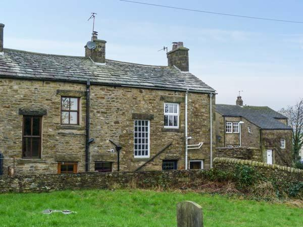 3 STONEBOWER COTTAGES first-class accommodation, solid fuel stove, WiFi, near walks in Burton-in-Lonsdale Ref 924670 - Image 1 - Burton-in-Lonsdale - rentals
