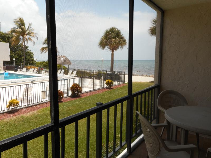 Ocean & Beachfront Complex - 2/2 Condo - Image 1 - Marathon - rentals