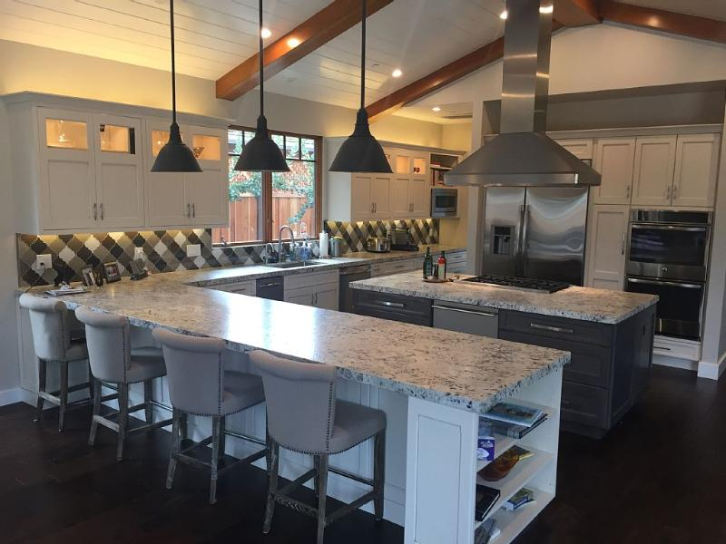 Nicely Appointed kitchen with everything you need - Luxury Executive Home In Silicon Valley - Los Altos - rentals