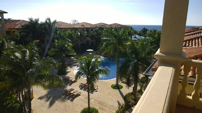 West Bay Beach Luxury 2 bedroom with Car included - Image 1 - Sandy Bay - rentals