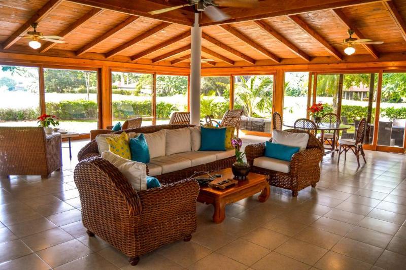 Bright open great room. - Gorgeous Golf, Lagoon & Ocean Views- Casa de Campo - San Pedro de Macoris - rentals