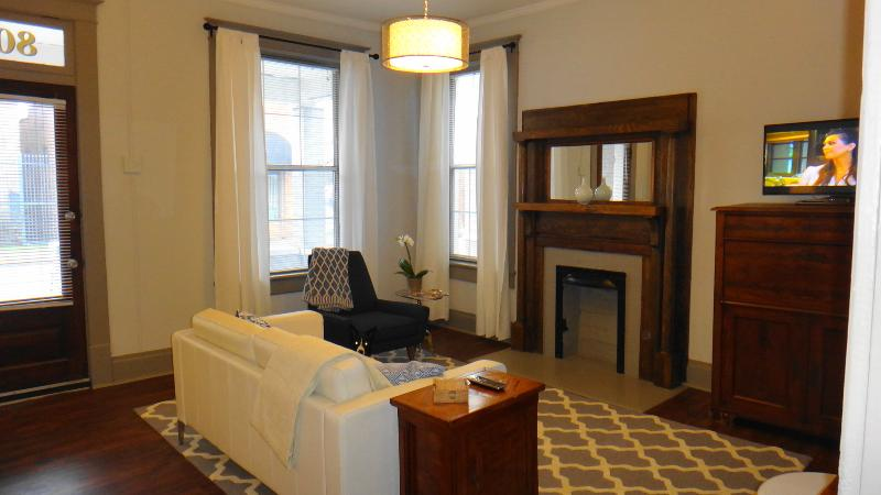 Downtown Executive Flat Great Convenient Location! - Image 1 - Chattanooga - rentals