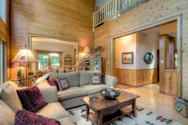 Bear Lodge- Mountain home near hiking+waterfalls - Image 1 - Highlands - rentals