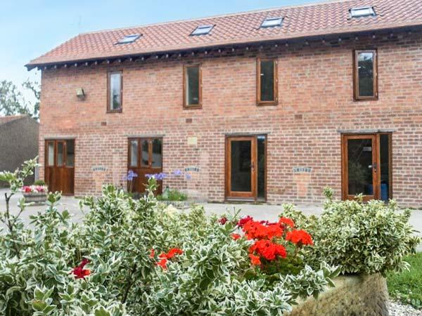 THE GRANARY, ground floor apartment, en-suite, WiFi, plenty of walking opportunities, Retford, Ref 925804 - Image 1 - Retford - rentals