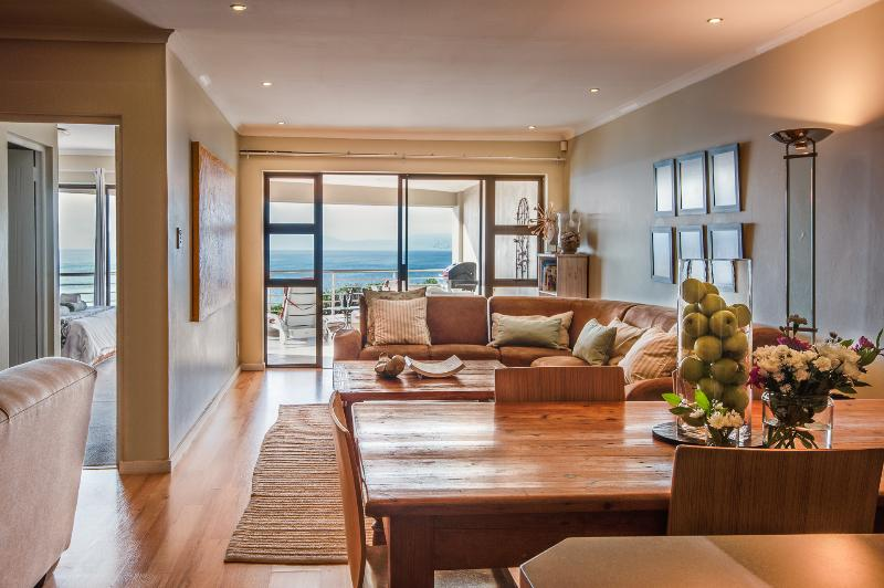 Features an open-plan indoor living space - 3-bed absolute seafront apartment in De Kelders - De Kelders - rentals