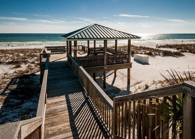 Private Gazebo - Gulf Winds East #18 The Perfect Nest For Snowbirds! - Miramar Beach - rentals