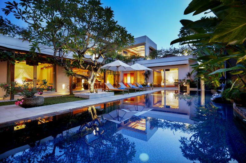 The Property - SLEEPS 16+, LUXURY JIMBARAN VILLA BY THE BEACH! - Kedonganan - rentals