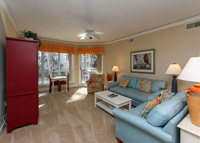 Living Area - 2112 Windsor Place II- 1st Floor, Overlooking Pool & Ocean - Hilton Head - rentals