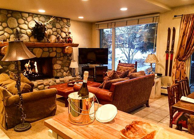 Location!! Village Center 1E - Condo in Vail Village - Image 1 - Vail - rentals