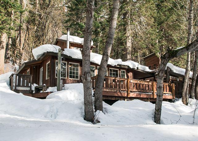 winter wonderland - Der Tree Haus~35 min drive to Leavenworth, private, hot tub, Wi-Fi, woodstove - Plain - rentals