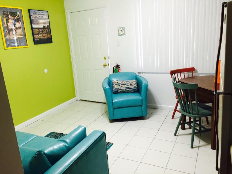 Clean, cute & available for YOU - BEACH BLOCK! Call TODAY - North Wildwood - rentals