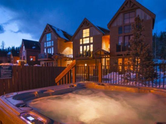 Antlers Gulch 506 - Granite counters, hardwood floors! - Image 1 - Keystone - rentals