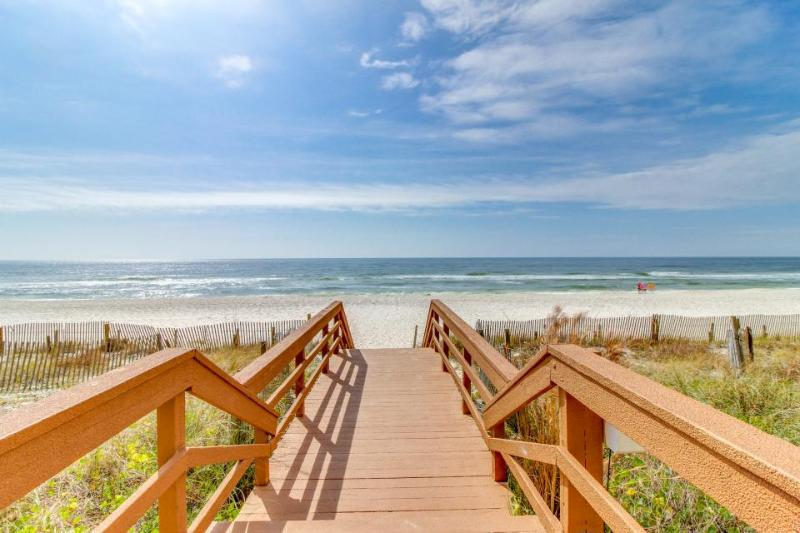Oceanfront condo w/ ocean view, shared pool, hot tub & more - easy beach access! - Image 1 - Panama City Beach - rentals