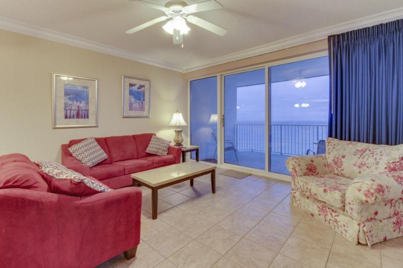 Centrally located Gulf front condo w/ amazing views, shared pool & hot tub! - Image 1 - Panama City Beach - rentals