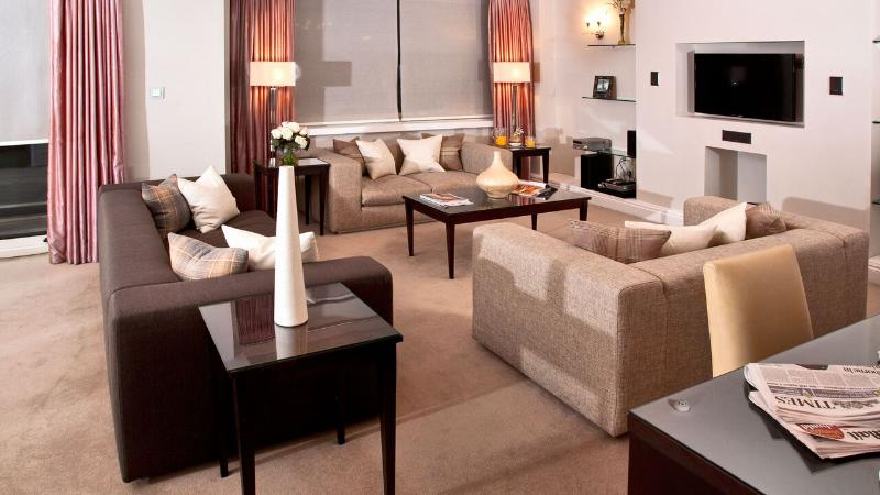 3 Bedroom Apartment with views over Green Park - Image 1 - London - rentals