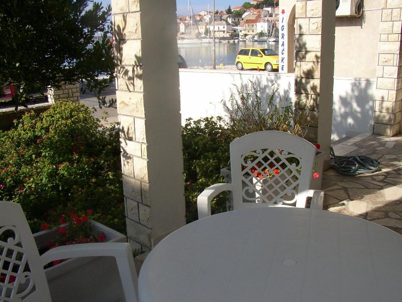 A1 PRIZEMLJE(4): terrace - 5091 A1 PRIZEMLJE(4) - Primosten - Primosten - rentals