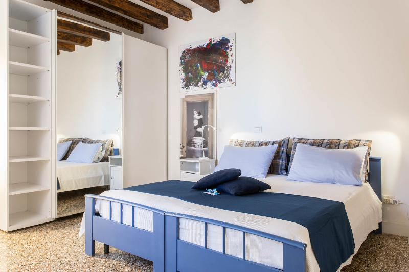 The Master Bedroom - Sweet Home: Bright, Comfortable, Canal View!! - Venice - rentals