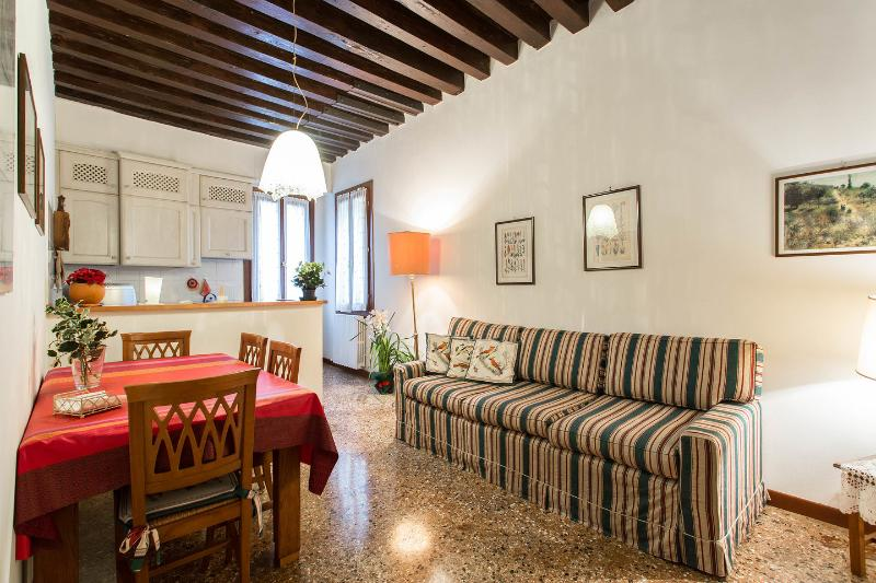 Dining Room - Elegant apartment garden canal view - Venice - rentals