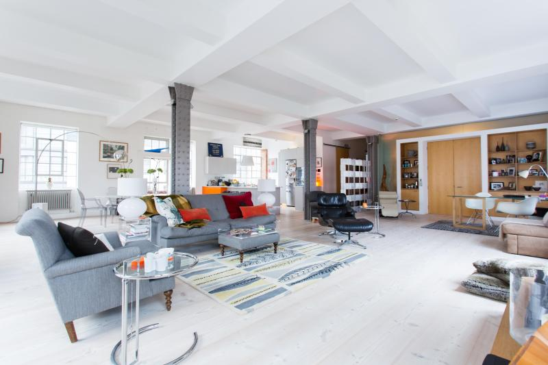 onefinestay - Albert Dock private home - Image 1 - London - rentals