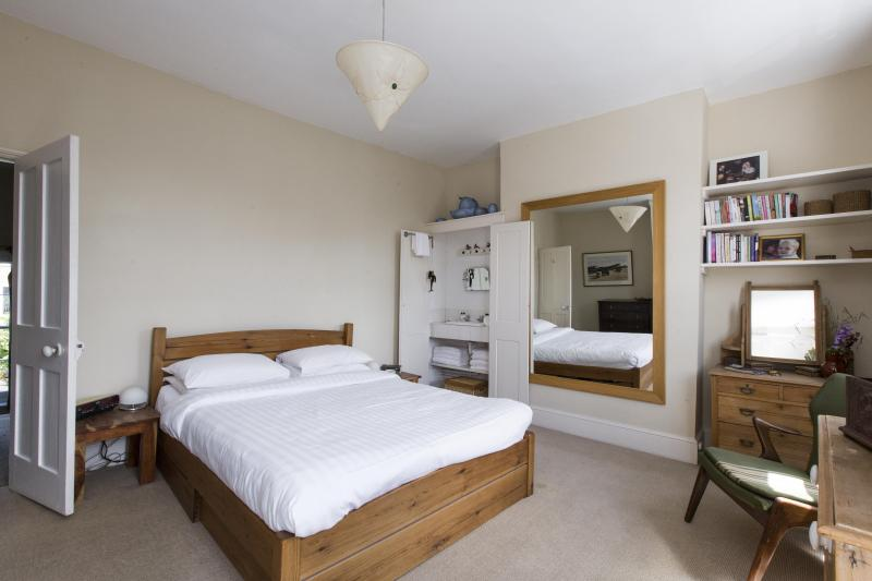 onefinestay - Ascham Street private home - Image 1 - London - rentals