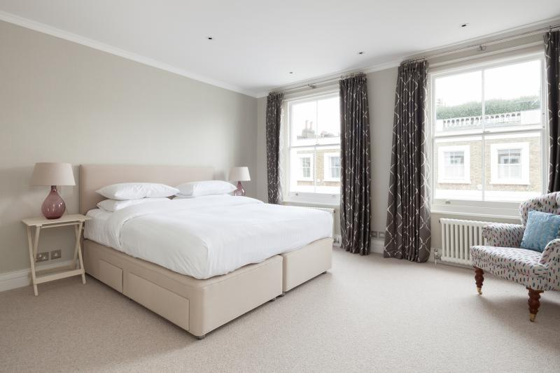 onefinestay - Bramerton Street IV private home - Image 1 - London - rentals