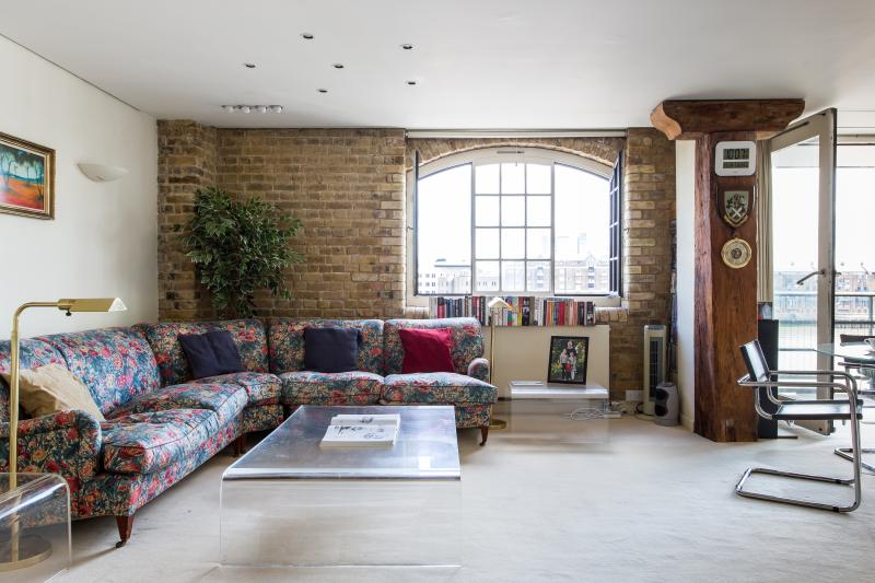 Butlers Wharf Studio II - Image 1 - London - rentals