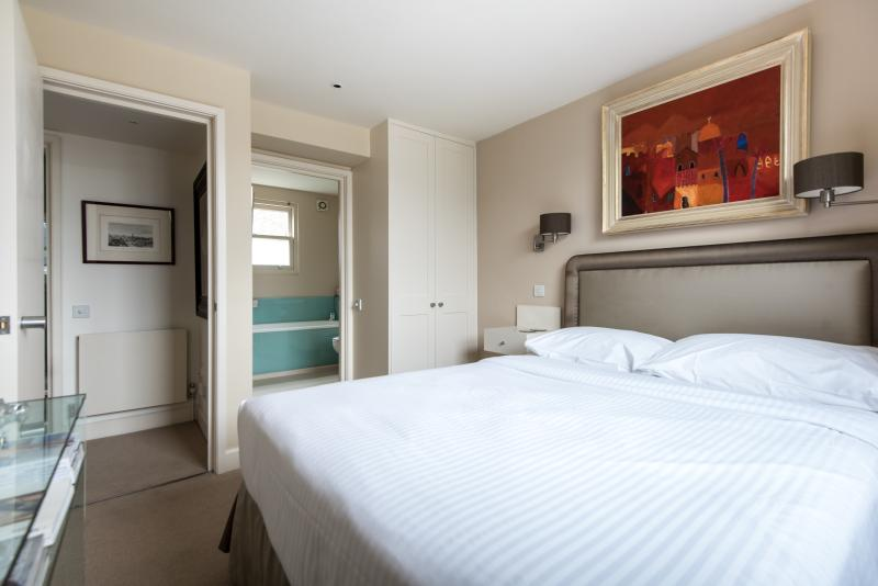 onefinestay - Campden Hill Gardens IV private home - Image 1 - London - rentals