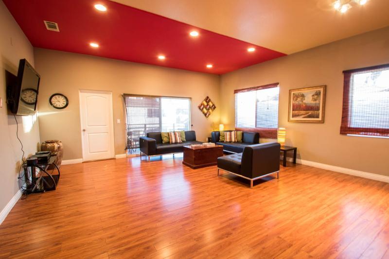 BrandNew Townhome adj. to Pasadena-SPECIAL $175/nt - Image 1 - Los Angeles - rentals