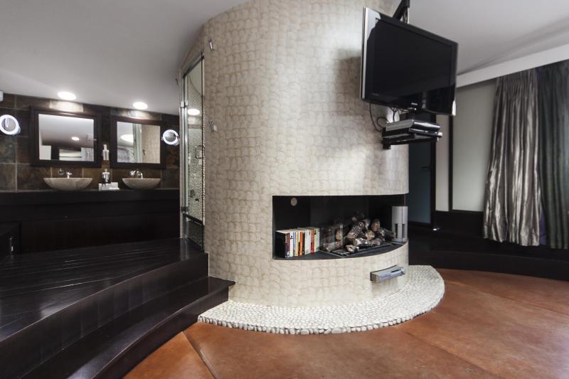 One Fine Stay - Caroline Close apartment - Image 1 - London - rentals