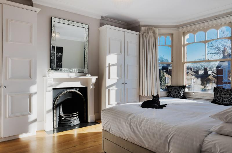 onefinestay - Chevening Road V private home - Image 1 - London - rentals