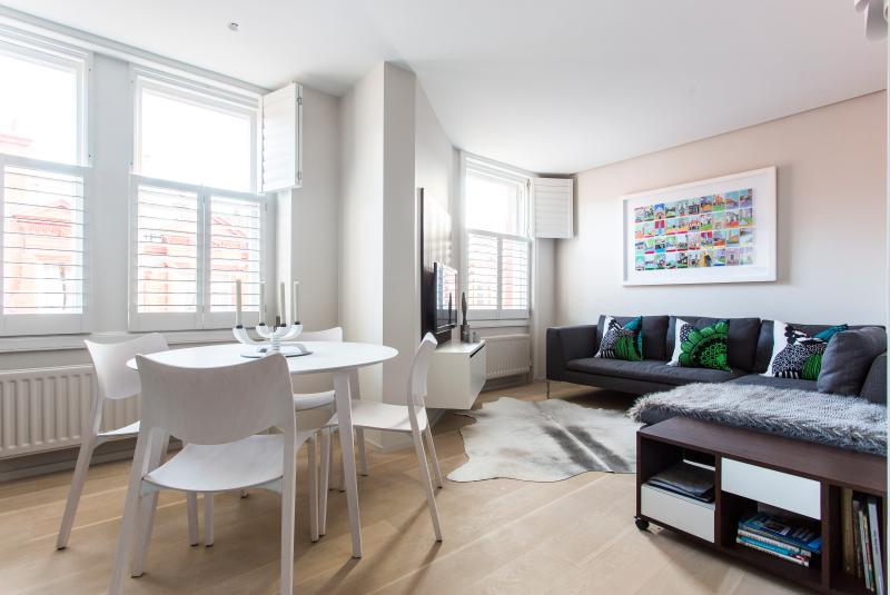 onefinestay - Chiltern Street private home - Image 1 - London - rentals