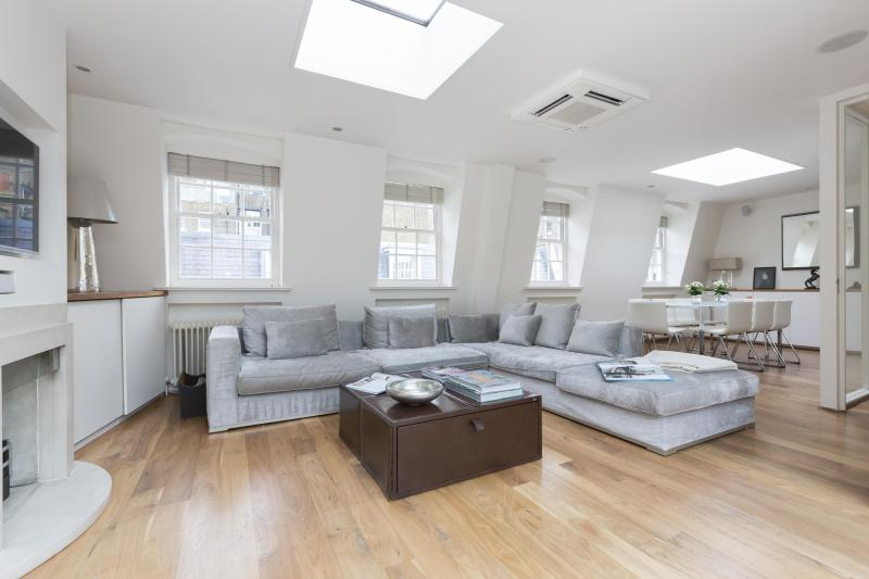 onefinestay - Clabon Mews II private home - Image 1 - London - rentals