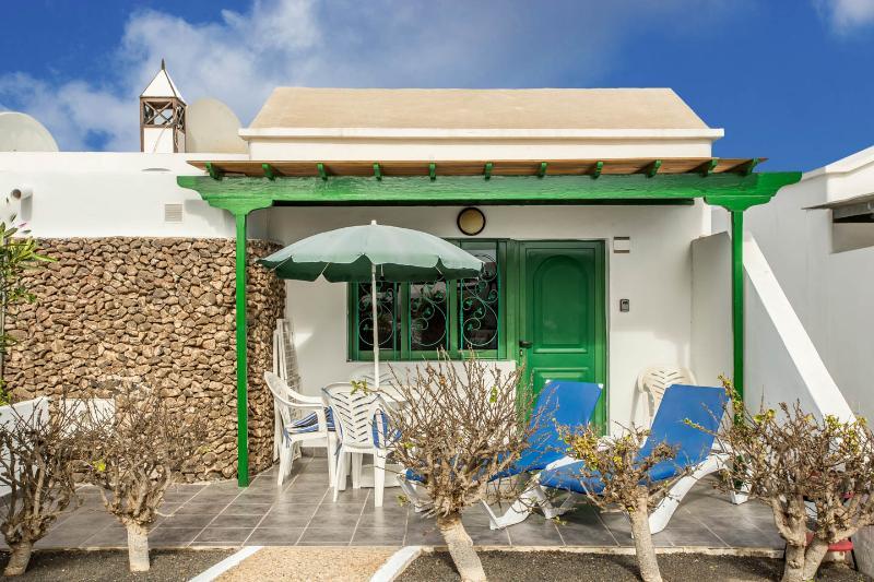 Bungalow Jardin del Sol - Image 1 - Playa Blanca - rentals
