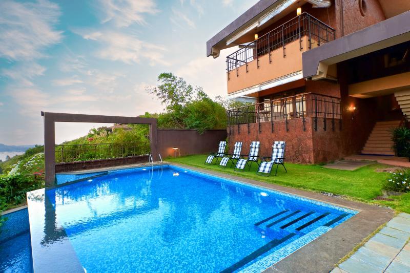 SkyHigh - 4 Bed OceanView Candolim Pool Villa - Image 1 - Candolim - rentals