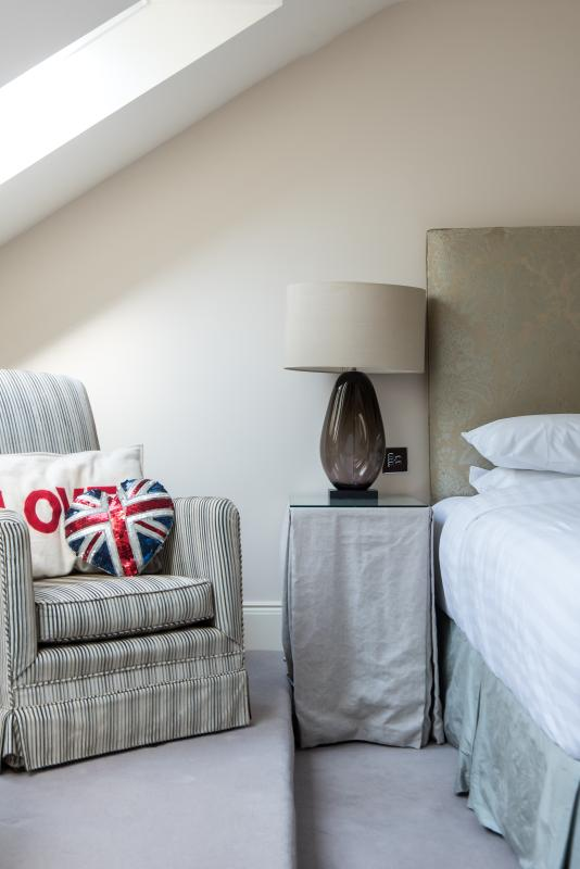 One Fine Stay - Drayson Mews apartment - Image 1 - London - rentals