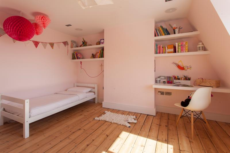 onefinestay - Dyne Road private home - Image 1 - London - rentals