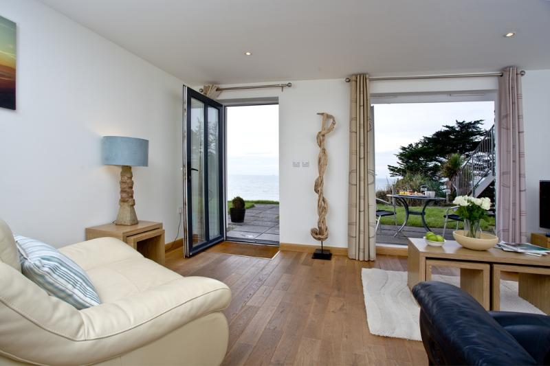 20 Mount Brioni located in Seaton, Cornwall - Image 1 - Looe - rentals