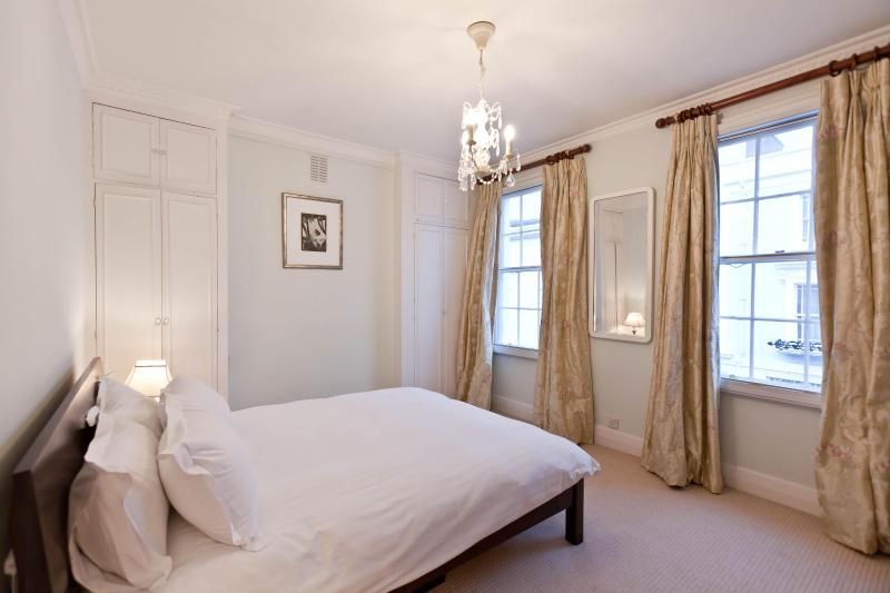 onefinestay - Farmer Street apartment - Image 1 - London - rentals