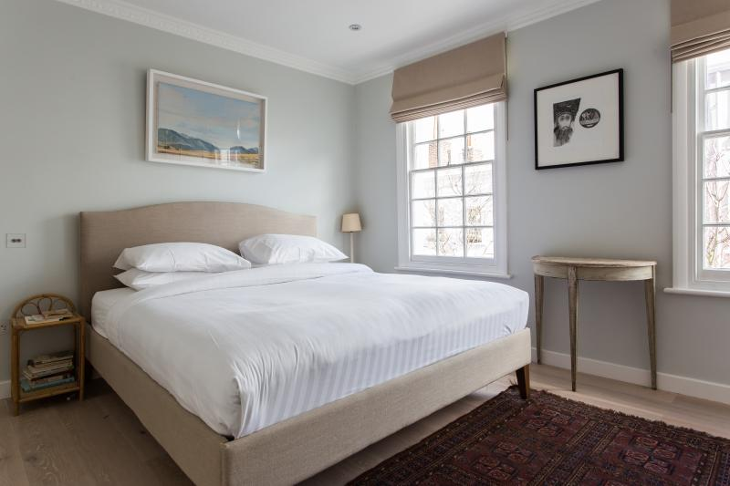 onefinestay - Farm Place private home - Image 1 - London - rentals