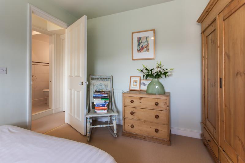 onefinestay - Faroe Road apartment - Image 1 - London - rentals