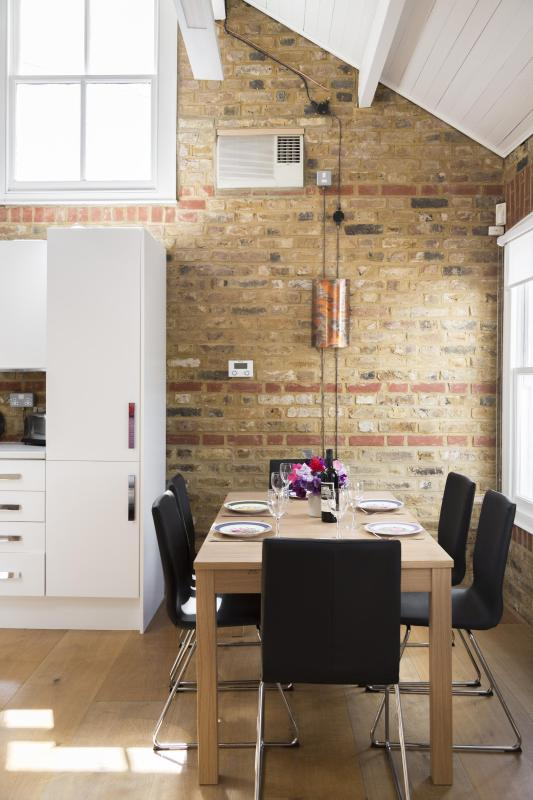 onefinestay - Gironde Road private home - Image 1 - London - rentals
