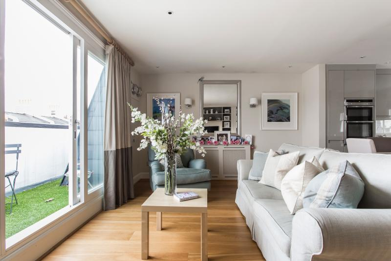 onefinestay - Gloucester Street VII private home - Image 1 - London - rentals